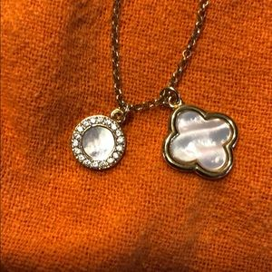 Jewelry - Pretty mother of pearl necklace